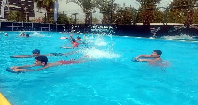 Akdeniz'de çocuklar için havuz