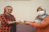 Behiye Gültak'tan Hamile Kadına Aşure Sürprizi