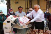 Erdemli Belediyesi, hamur yoğurma makinesi hediye ediyor