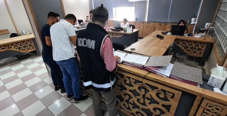 Sahte vize işlemi yapan baba ve kızı gözaltına alındı