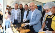 Karaduvar Balık Festivali'ne Binlerce İnsan Akın Etti